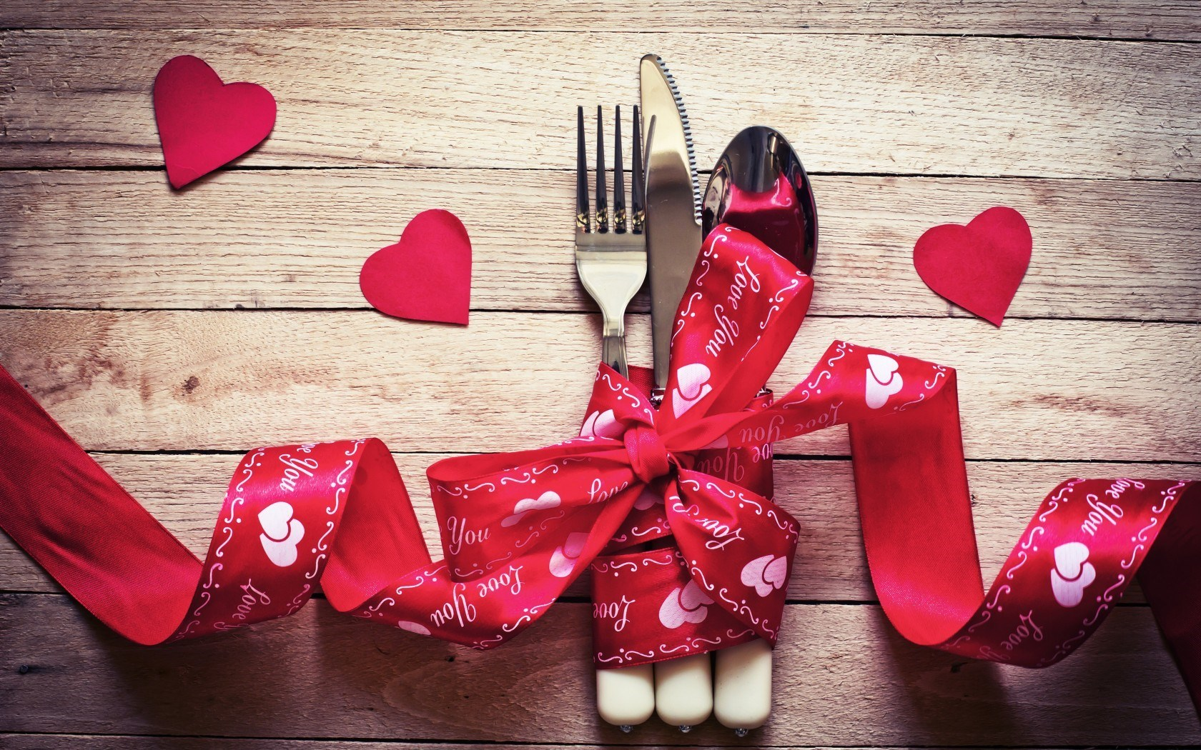 hearts_table_utensils